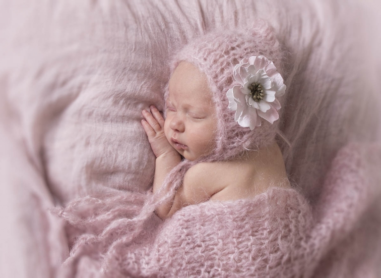 pretty newborn photos Brisbane Northside