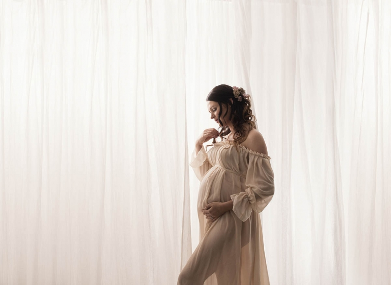 elegant vintage maternity photography Brisbane portrait studio